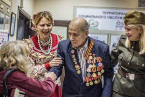 ветеран войны и казачки