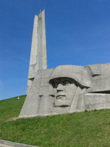памятник в зеленограде