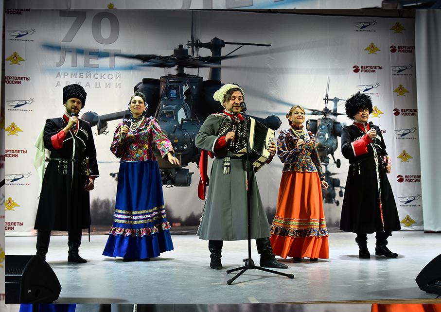 http://kazakimoskva.ru/ansambl-kazachij-dyuk-v-teatre-rossijskoj-armii/